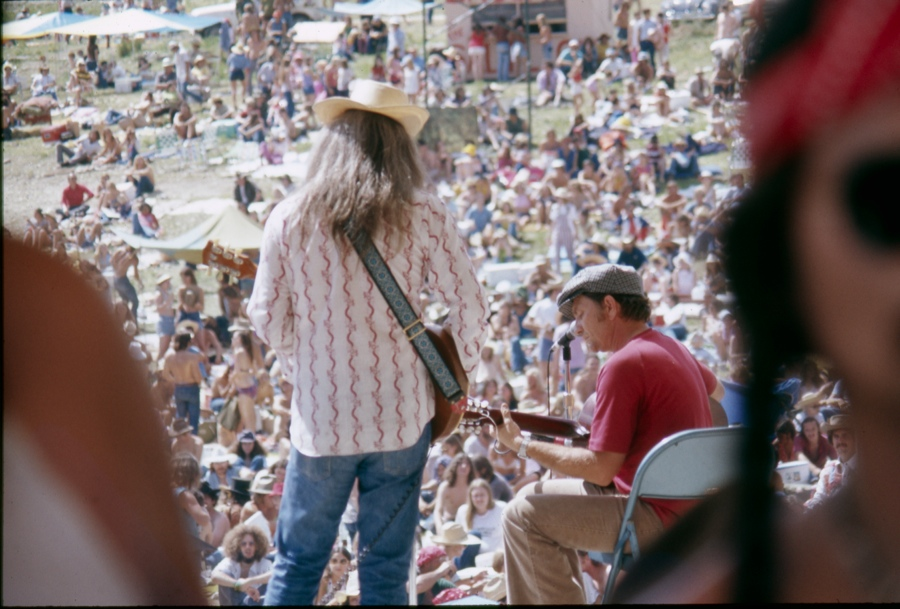 Leon Russell & Willie Nelson (Dripping Springs, TX - July 4th, 1973).