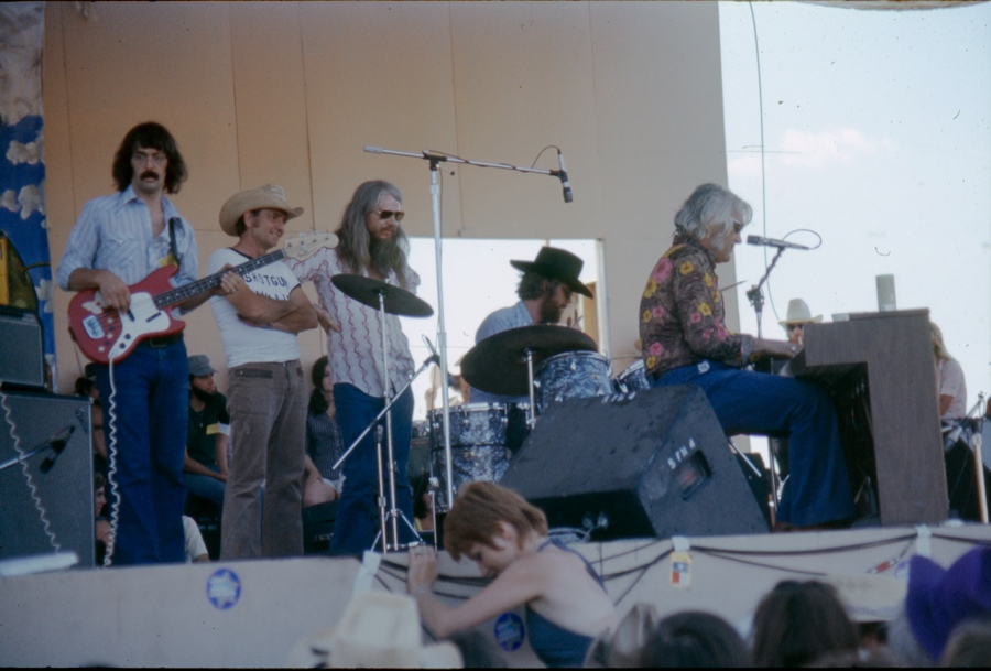 Willie Nelson, Leon Russell, Charlie Rich (Dripping Springs, TX).